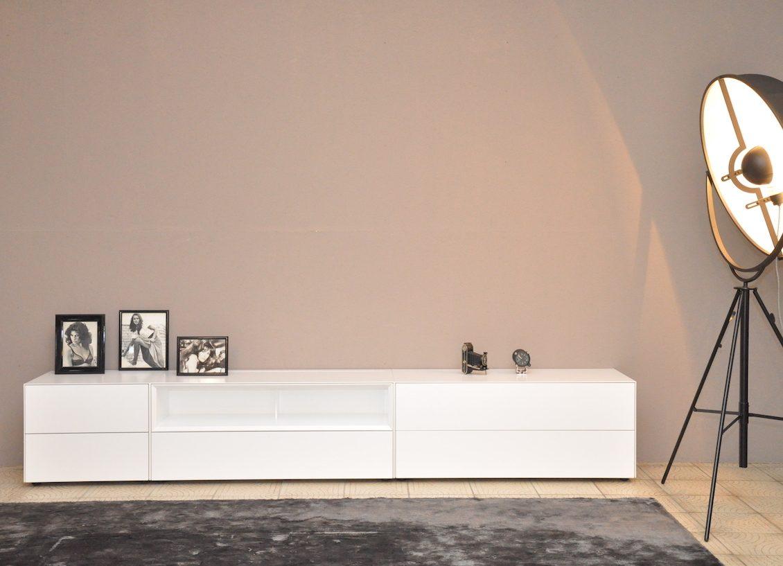 Wohnhalle-Sideboard-Lowboard-TV-Möbel