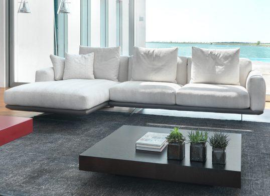 Wohnhalle-Sofa-Modena-nachMass-ItalyDesignStore