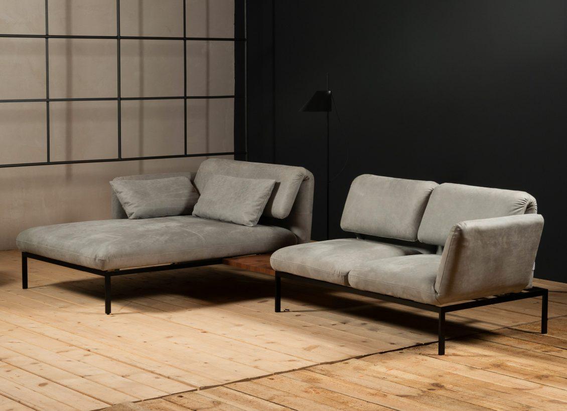 Wohnhalle-Sofa-Roro-grau-bruehl
